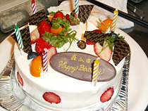 お誕生日会ケーキ